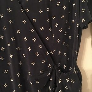 Adrianna Papell Dresses - Black silk Adrianna Papell dress.